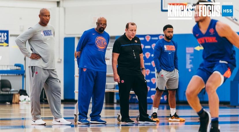Knicks練習 コーチ