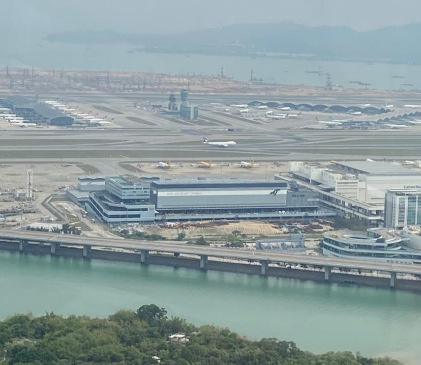 ゴンピン360空港